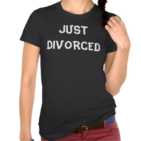 just_divorced_free_single_t_shirt-rad9a9b2580554e10a0a927adad5f4f68_8naxt_512